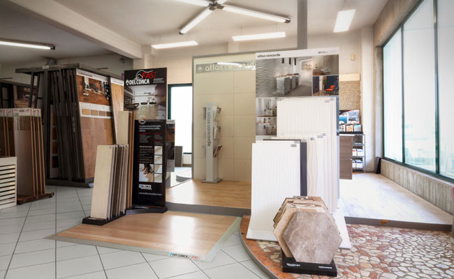 Showroom pavimenti reggio emilia sant ilario d enza for Showroom bagno